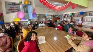 Edebiyat Gönüllüleri ilk kütüphaneyi Mardin'de kurdu…