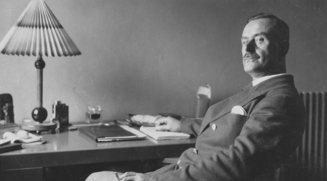 Thomas Mann hangi dünya klasiğinin sonunu yavan bulmuştur?